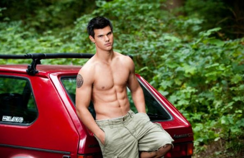 Taylor Lautner naked - The Male Fappening