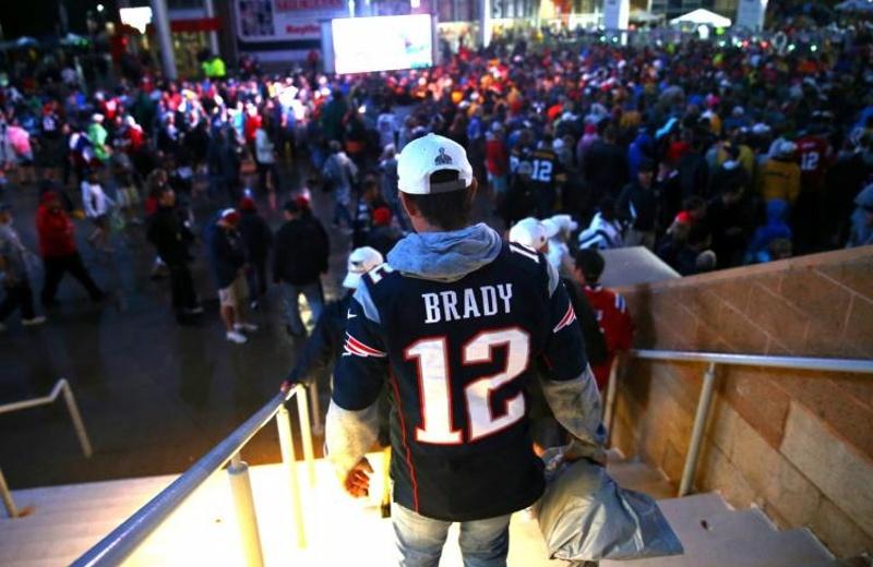 Ya! encontraron el jersey robado de Tom Brady, ¡y sí, lo tenía un mexicano! (+FOTO)
