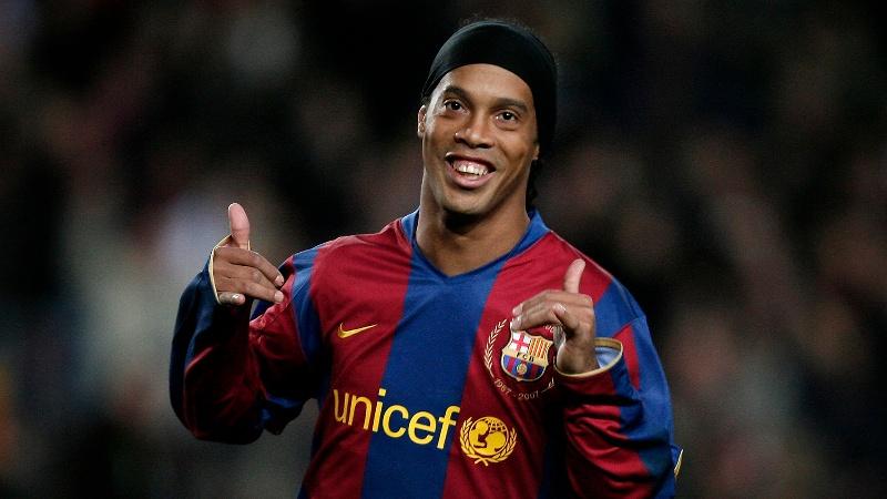 Ronaldinho vuelve a Veracruz para jugar en el Luis 'Pirata' Fuente ¡contra leyendas del Tiburón! #FOTO