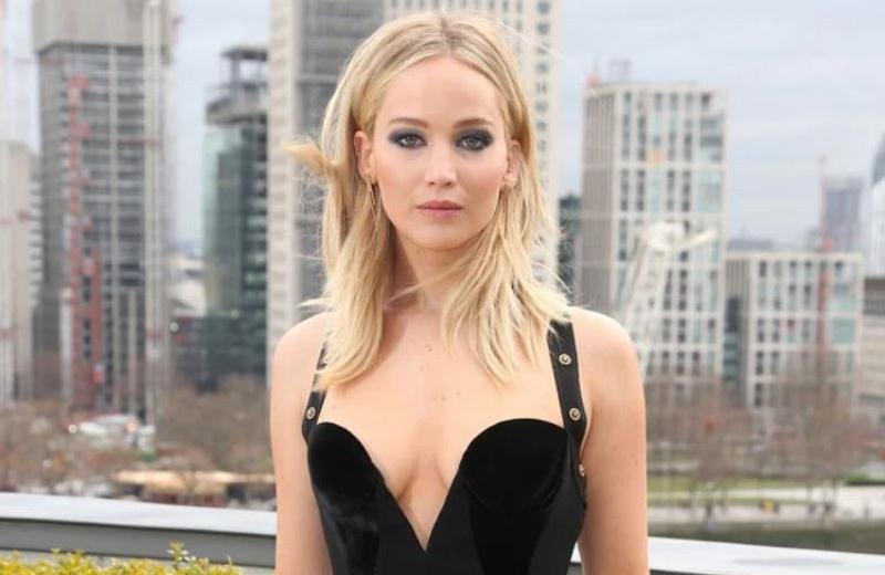 La foto de Jennifer Lawrence que está causando polémica a nivel mundial  #FOTO