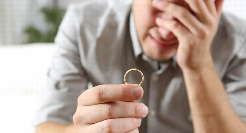 Padre de 9 hijos pide el divorcio tras enterarse que toda su vida ha sido estéril