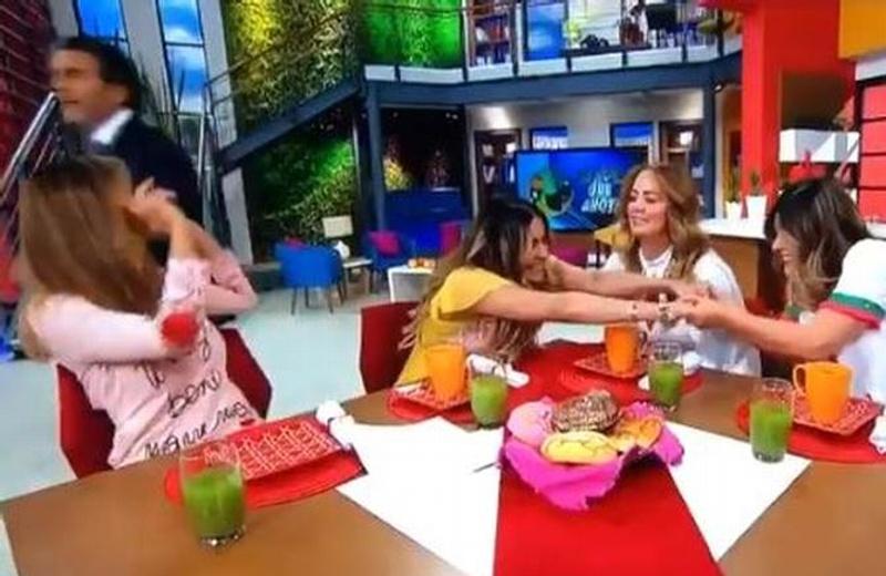 Andrea Legarreta y Galilea Montijo ignoran a conductora de espectáculos en pleno programa (+VIDEO)