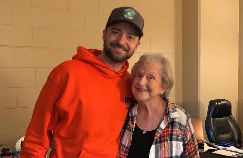 Justin Timberlake cumple el sueño de una fan de 88 años #FOTOS