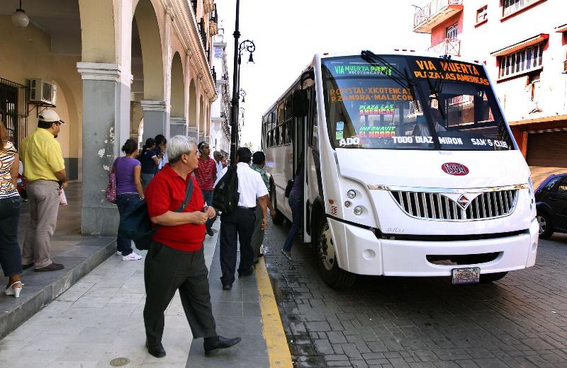 Aumenta el costo del camión en Veracruz, ¡ya no habrá boletos de estudiantes ni de tercera edad!