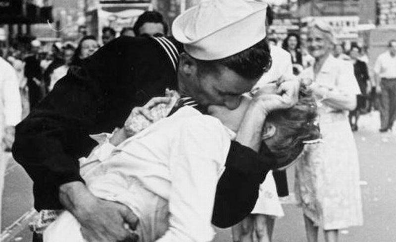 ¿Quieres saber que tal besas? checa tú horóscopo dominical