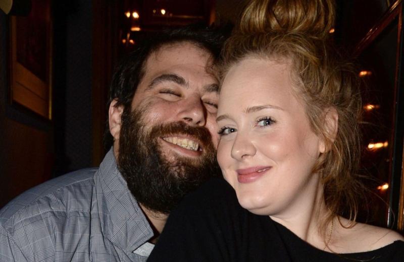 Anuncia Adele su divorcio después de siete años de matrimonio