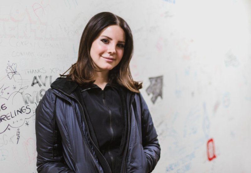 Lana del Rey comparte parte de su nueva canción 'Doin' Time' #VIDEO
