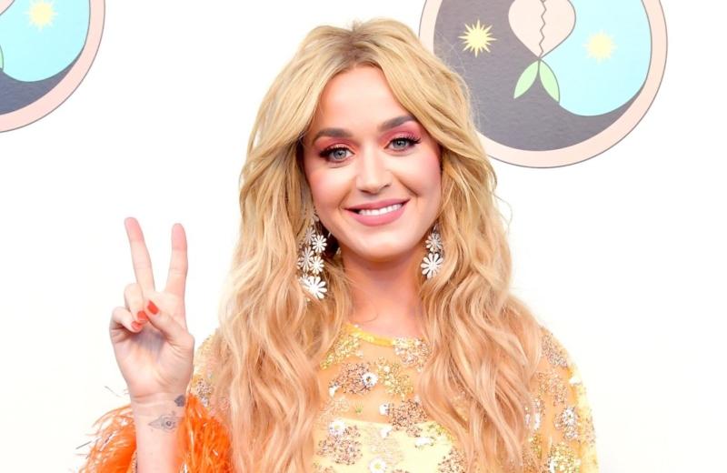 Katy Perry lanza buena vibra a todas las cantantes que están sacando sencillos #VIDEOS