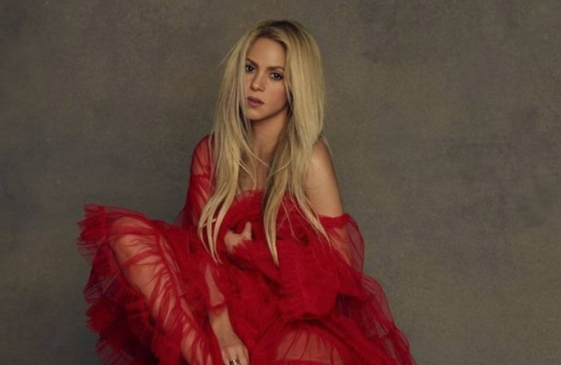 Shakira conquista con espectacular bikini neón #FOTO