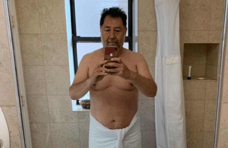 Diputado se toma foto en toalla y se hace viral #NoroñaChallenge