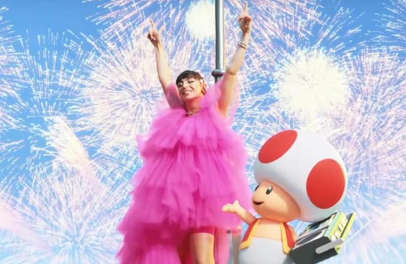 Galantis y Charli XCX presentan 'Super Mario World Japan' con 'WE ARE BORN TO PLAY' #VIDEO