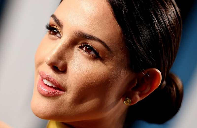 Eiza González responde a haters tras lanzar fuerte crítica al presidente AMLO