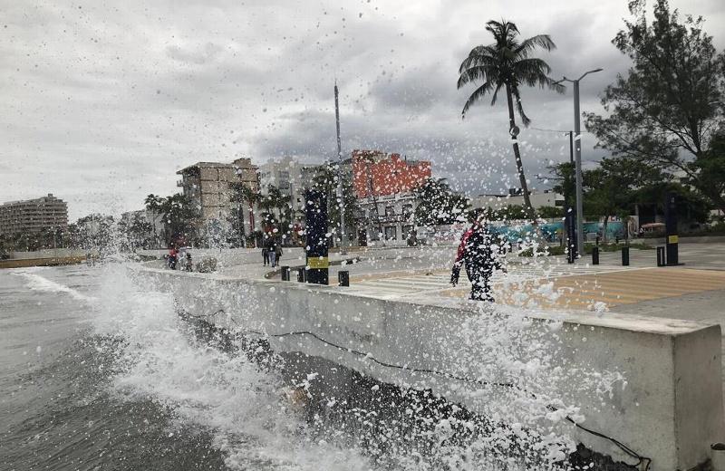 Pronostican para hoy viernes por la tarde/noche norte y lluvias, en Veracruz