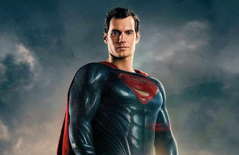Henry Cavill negocia volver como Superman