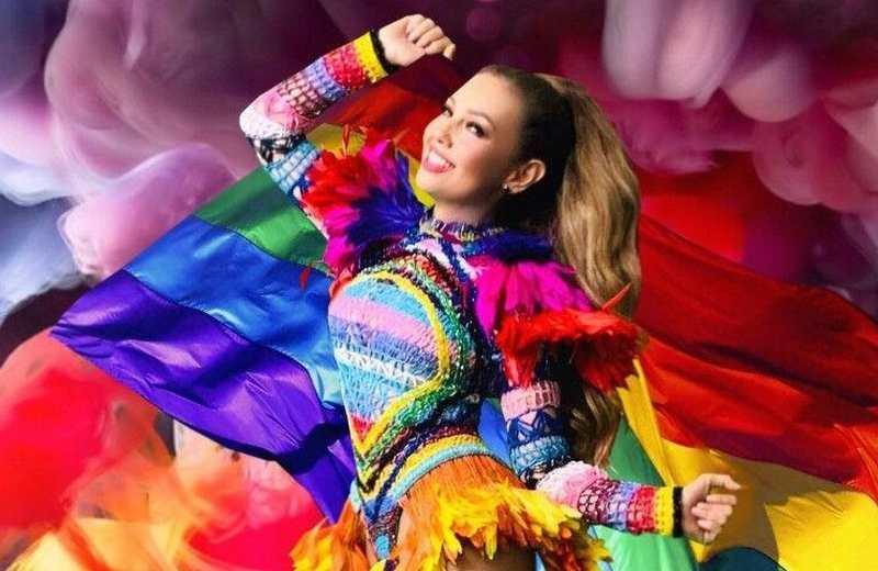Thalía da el banderazo de la Marcha Digital LGBTTTI+ de la CDMX (+fotos/video)