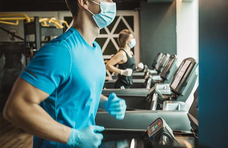 Hacer ejercicio con cubrebocas ¿es peligroso? ¡checa esto!