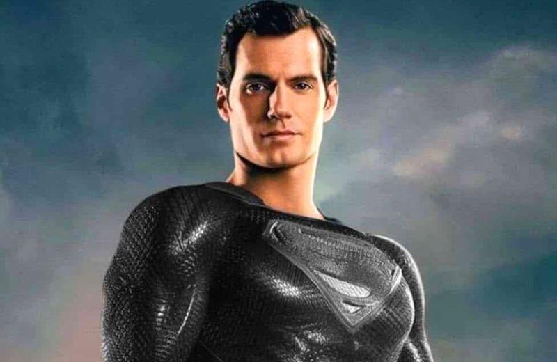 Imagen de Superman portando su traje negro es tendencia (+video)