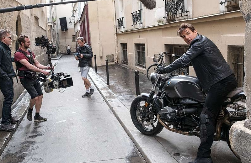 Tom Cruise salta al vacío en moto para 'Misión Imposible 7' (+video)