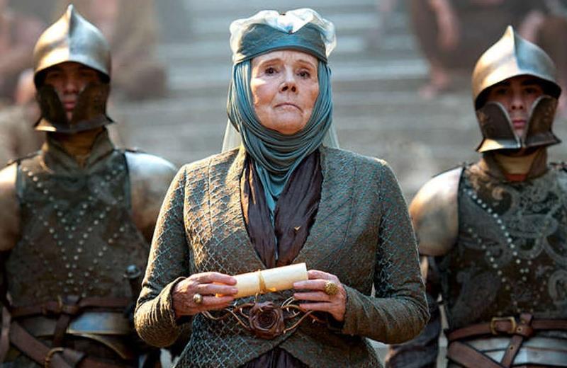 Muere Diana Rigg; interpretó a Olenna Tyrell en 'Game of Thrones'