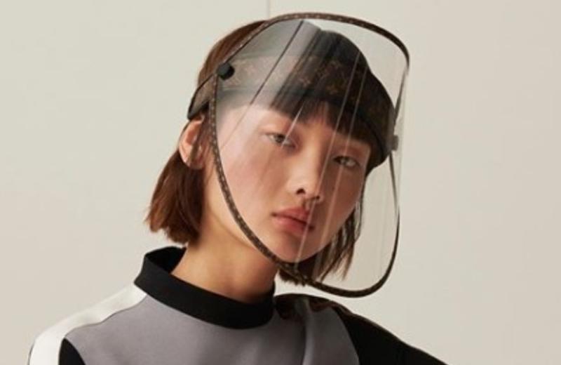 Ponen a la venta careta protectora Louis Vuitton en 21 mil pesos