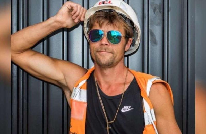 Era albañil pero parecerse a Brad Pitt le cambió la vida (+fotos)