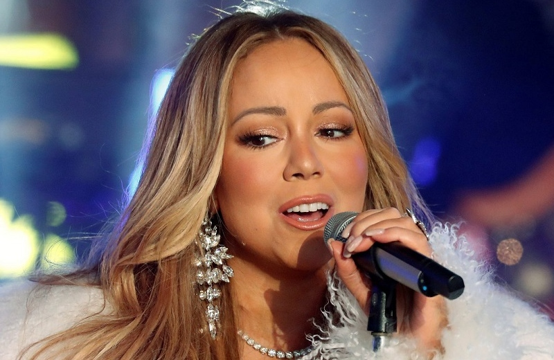 Revela Mariah Carey que su hermana intentó venderla