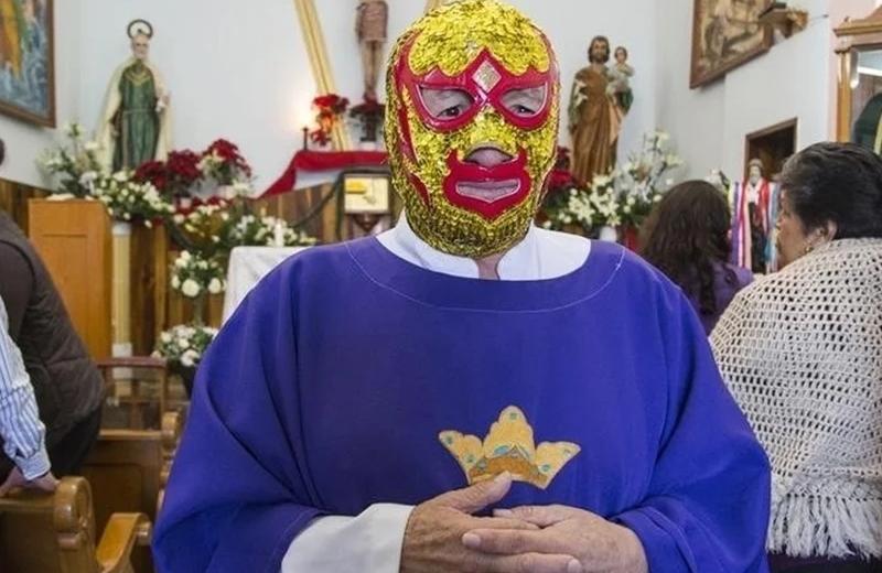 Sacerdote Fray Tormenta lucha contra el COVID-19