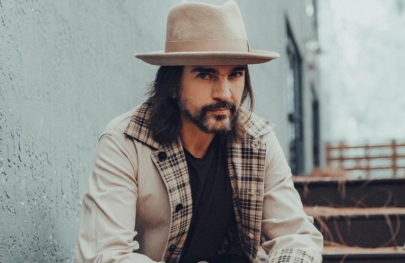 Juanes se confunde y roba accidentalmente un auto