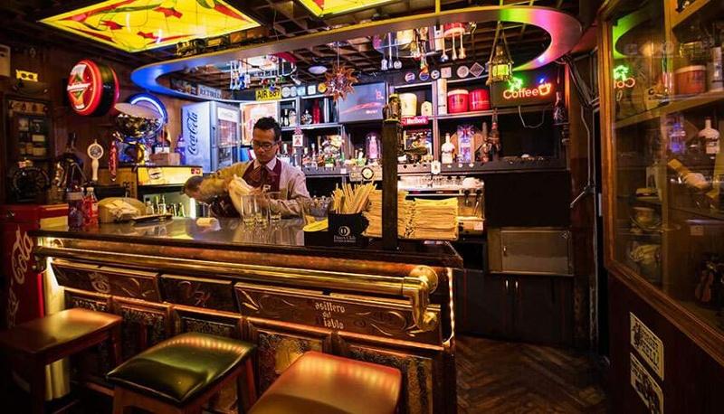 Encuentran y clausuran bar clandestino, no te imaginas dónde estaba...