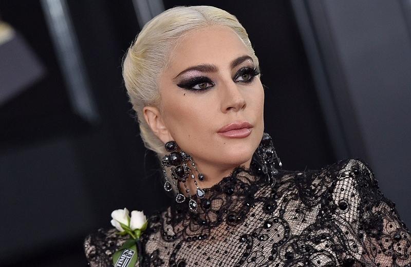 Lady Gaga llega a Roma para protagonizar la tragedia de los Gucci (+foto)