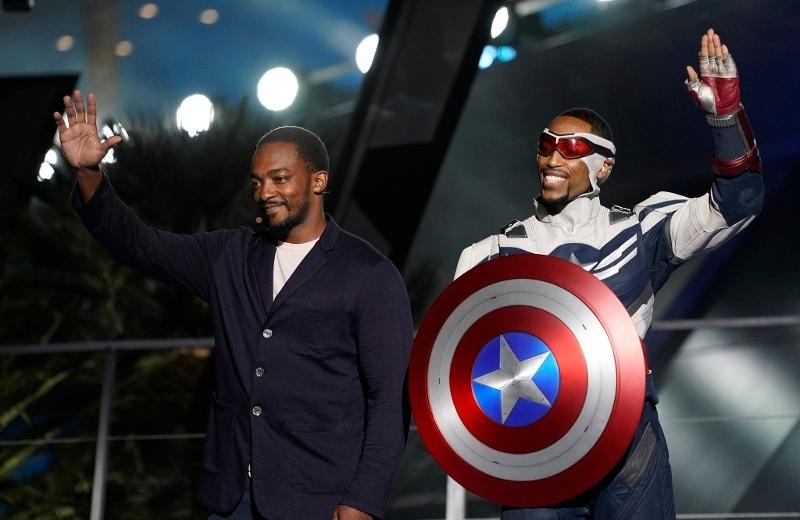 Presentan en Disney al primer Capitán América negro