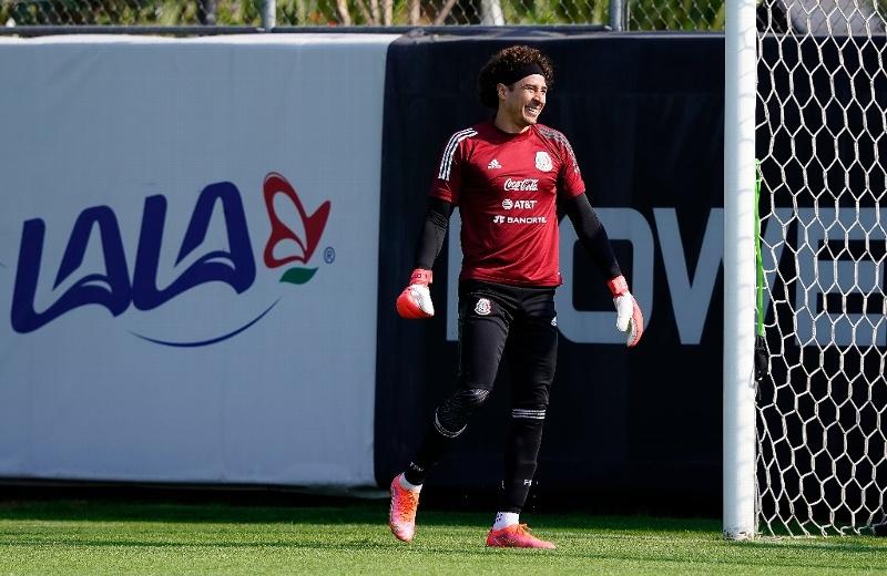 Guardado revela que Ochoa va a Tokio (+foto)