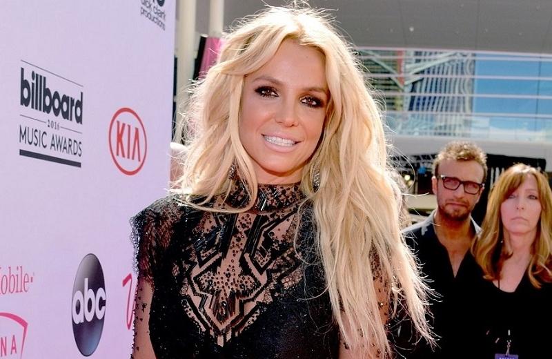 Britney Spears no cantará mientras su padre controle su carrera
