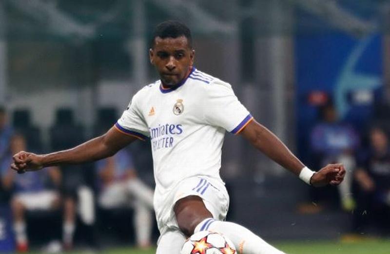 Real Madrid le pega al Inter en Champions
