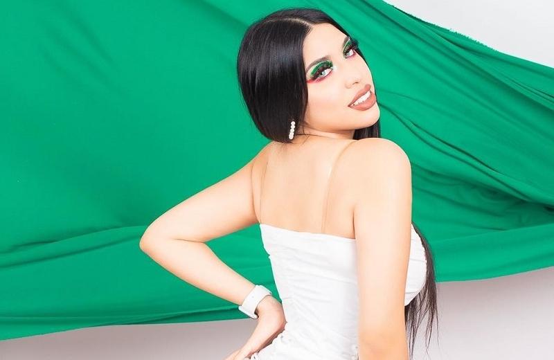 Con vestidos prestados de Miss Universo fotografían a Yeri MUA (+fotos)