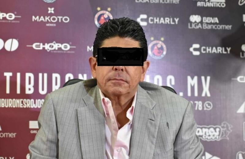 Detienen a ex dueño de los Tiburones Rojos de Veracruz
