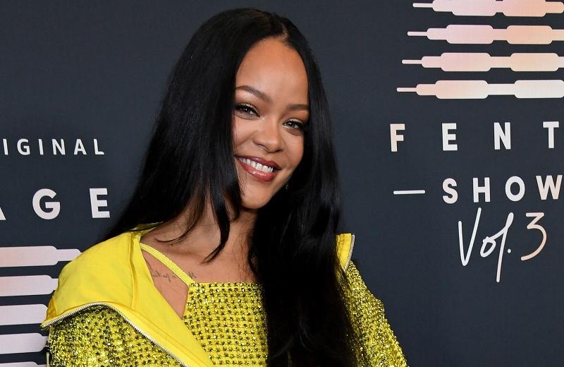 Rihanna presenta su linea de lencería y habla de su nuevo álbum