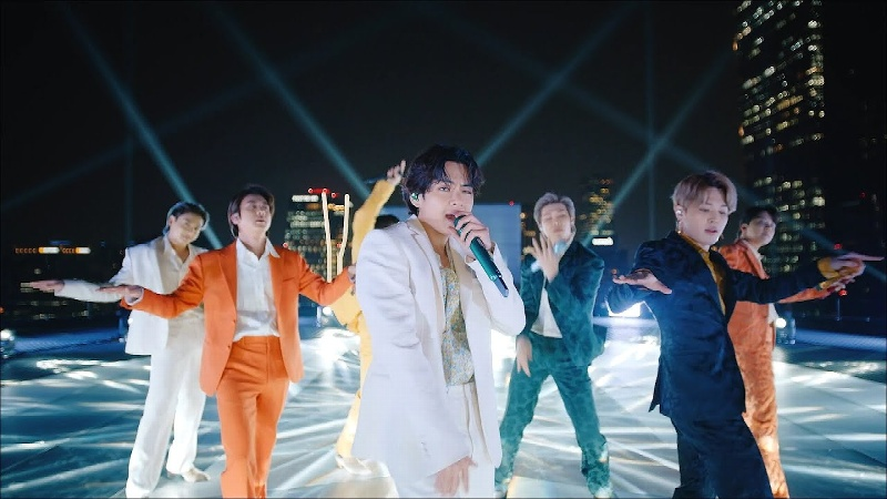 Por causa benéfica, subastarán trajes que usaron BTS en los Grammy 2021 (+video)