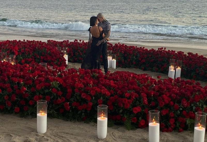 ¡Por fin! Kourtney Kardashian y Travis Barker se comprometen (+foto)