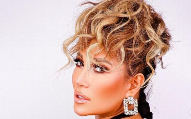 ¡OMG! Connie Peña, la mujer que le da un gran aire a Jennifer Lopez (+foto)